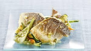cuisiner legumes recette filet de bar rôti et petits légumes cuisiner bar filet