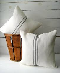 Oversized Throw Pillows Cheap by Best 25 Farmhouse Decorative Pillows Ideas On Pinterest Rustic