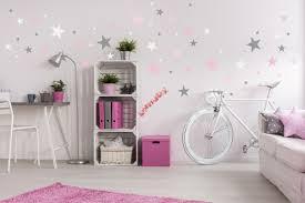 dekoration wand sterne grau rosa