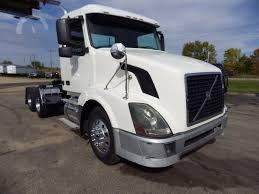 AuctionTime.com | 2005 VOLVO VNL64T300 Online Auctions Auctiontimecom 2006 Western Star 4900fa Online Auctions 1998 Intertional 4700 2017 Dodge Ram 5500 Auction Results 2005 Sterling A9500 2002 Freightliner Fld120 2008 Peterbilt 389 1997 Ford Lt9513 2000 9400 1991 4964f 1989 379