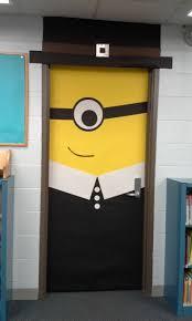 Christmas Office Door Decorating Ideas by Best 25 Minion Door Decorations Ideas On Pinterest Minion Door