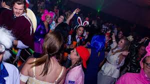 Clarendon Halloween Bar Crawl Promo Code by Halloween Roundup How To Find All The Best Costume Parties