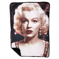 Marilyn Monroe Bathroom Set by Gifts For Marilyn Monroe Fans Popsugar Celebrity