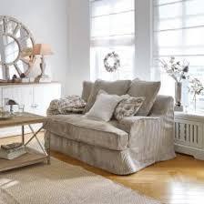 sofa im landhausstil edle formschöne polstermöbel loberon