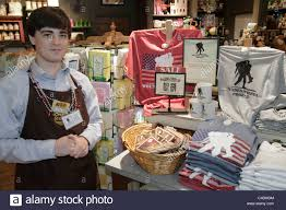 Vero Beach Florida Cracker Barrel Restaurant t shop store man employee clerk retail display Wounded Warrior
