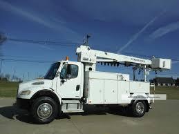 100 Derrick Trucks 2005 Freightliner Digger Truck