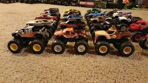 Monster Jam 1:64 Diecast Truck Lot! Grave Digger, Max D And More! 20 ...