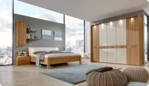 schlafzimmer eiche incl bett schrank u nachtkommoden