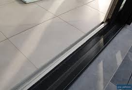 châssis de porte fenêtre à seuil plat avantages et inconvénients