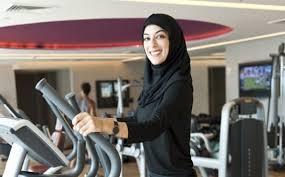 l arabie saoudite autorise les femmes à aller à la salle de sport