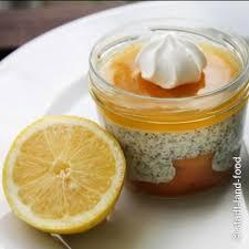 zitronenkuchen im glas mit mohnquarkcreme und lemoncurd 5 5