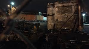 100 Rowland Trucking 2 Semis Catch Fire At Nashville Company