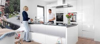 küchendesigns mit kochinseln 2021 sowie tipps schwörerhaus