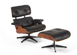 Lounge Chair 670 And Ottoman 671 | Charles EAMES (designer); Ray ... Vitra Eames Lounge Chair Charles Herman Miller Walnut Evans Lcw By And Ray Rosewood Ottoman Palm Beach And For For Sale At 1stdibs 670 Retro Obsessions Vintage Office Designs In Black Leather Rare White By A