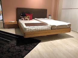 float bett mit nachtkommden ohne lattenrahmen u matratzen