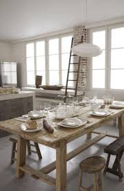 table de cuisine ancienne en bois cuisine brique bois