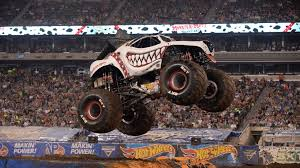 Monster Jam East Rutherford Freestyle 2017 Full Episode - Video ...