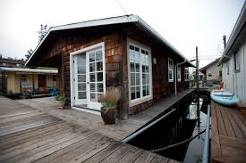 100 Lake Union Houseboat For Sale For Luxury Chandler S Cove Marina