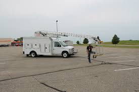 Aerial Bucket Truck 3928TGH By Van Ladder {VIDEO} - Aerial Bucket ...