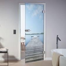 eine glastür im bad klar mit digitaldruck für mehr