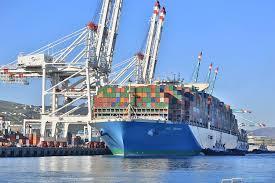 le plus grand porte conteneurs au monde accoste à tanger med le