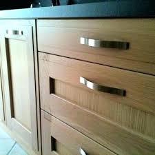 bouton placard cuisine poignee de placard de cuisine poignace de porte de placard de