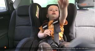 automobile comment installer le siège auto de bébé