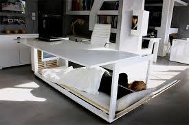 petit bureau de travail le bureau petit somme qui se converti en lit pour faire une