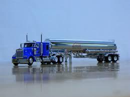 100 Carlile Trucks DCP 164 Kenworth W900 Transportation Petroleum Tank 32488