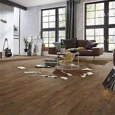 vinylboden im wohnzimmer diese eigenschaften überzeugen