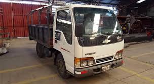 Patio Tuerca Ecuador Camiones chevrolet nhr 2003 camión ligero 0 a 3 ton en cuenca azuay