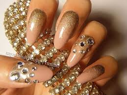 Gold design nails how you can do it at home designs