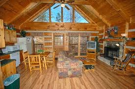 Bearadise 1 Bedroom Vacation Cabin Rental in Pigeon Forge TN