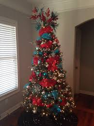 Frontgate Christmas Tree Storage by Turquoise And Red Christmas I Like How The Inserted The Ribbon