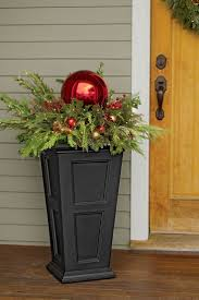 Outdoor Christmas Decorating Ideas Front Porch by 25 Unique Outdoor Christmas Planters Ideas On Pinterest