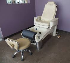 European Touch Pedicure Chair Solace by Solace Altera Whirlpool Footspa Pedicure Chair Matches Lot 116