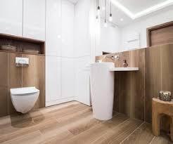 feuchtraumpaneele im badezimmer verlegen und anbringen