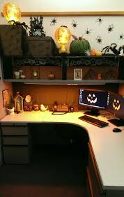 halloween cubicle decor pinteres
