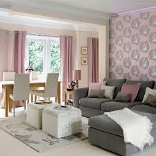 attraktive dekostoffe ziehen den blick im wohnzimmer