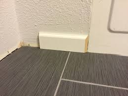 trim how can i transition from baseboard to a flat bathtub