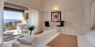 chambres d hotes luxe séjourner à gordes dans une chambre d hôtes de luxe le site de