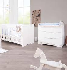 chambre bébé blanc pinolino chambre bébé polar blanc lit évolutif commode à