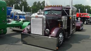 Semi Trucks For Sale: Peterbilt 379 Semi Trucks For Sale