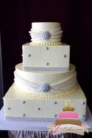 1043 Wedding Cake With Edible Bling