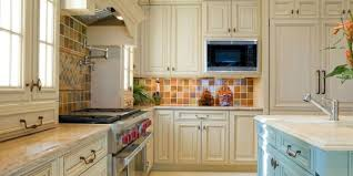 10 Easy Kitchen Decorating Ideas