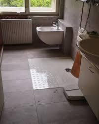fliesen hosner badezimmer ohne stufe badewanne raus