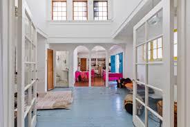 100 Triplex Houses Whimsical Larchmont Triplex With A Jack London Sculpture