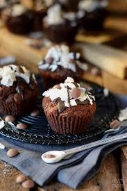 einfache schoko kokos muffins mit kokosfüllung ina isst