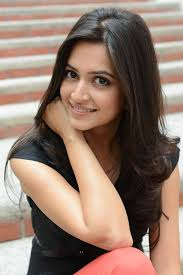 Cute Kriti Kharbanda