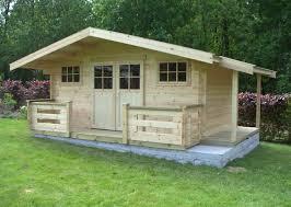 construire les fondations pour un abri de jardin terrasse bois